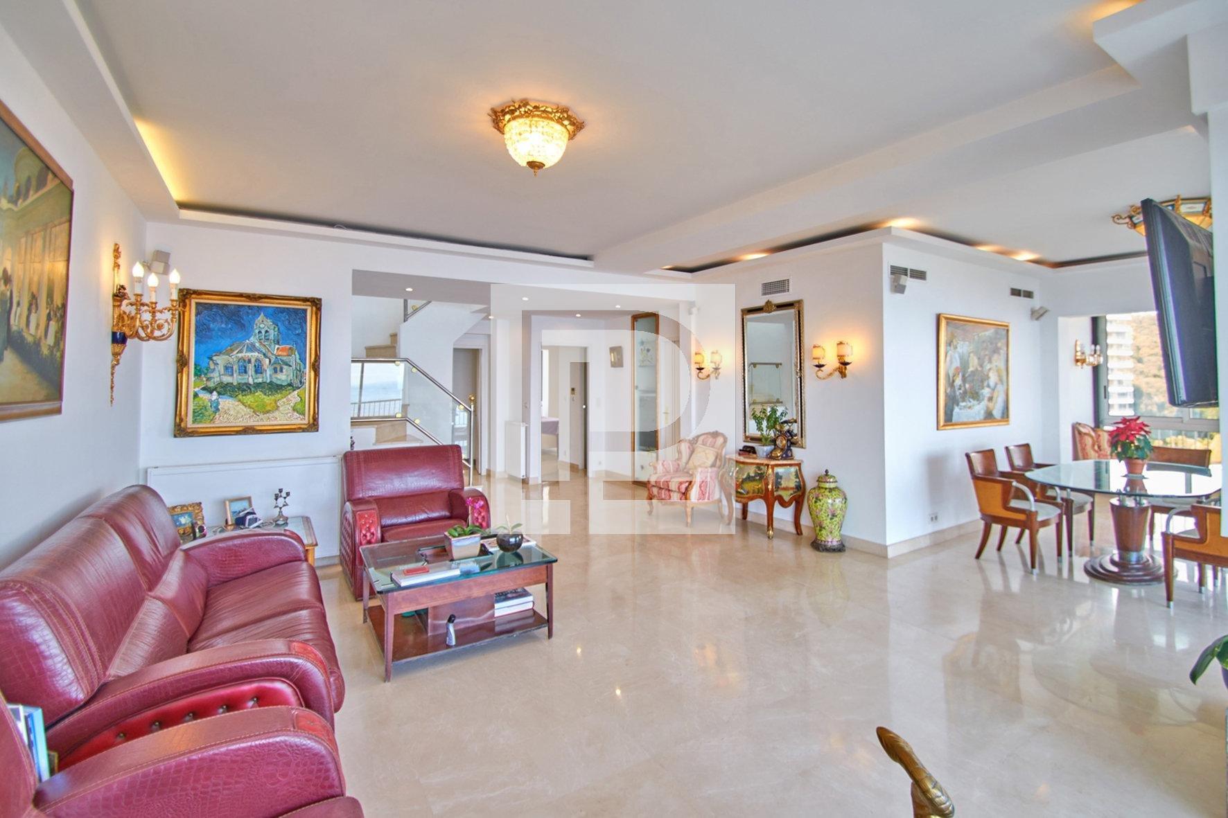 Duplex dans prestigieuse résidence
