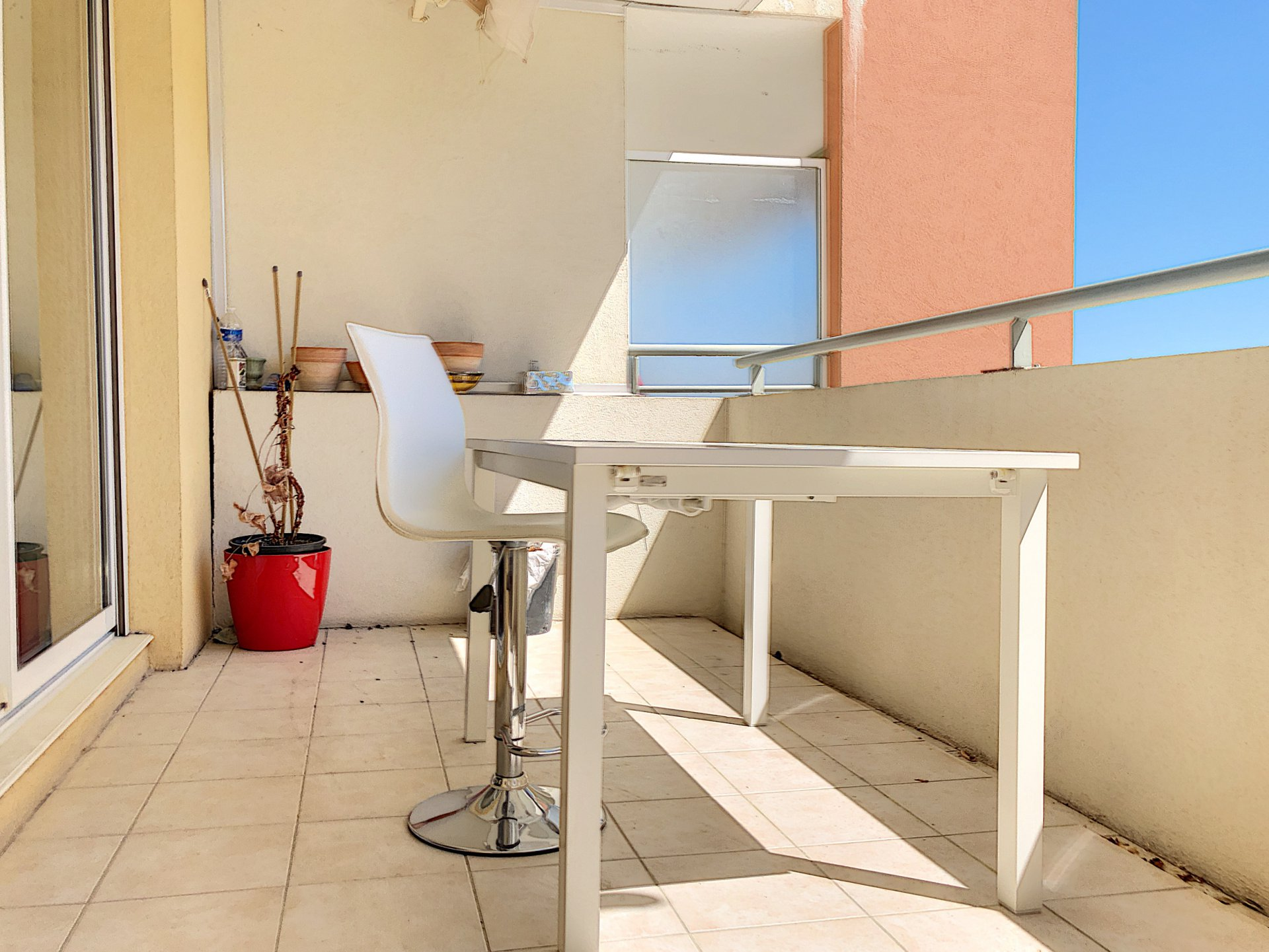 Saint Laurent du Var (06700) - Appartement 3 pièces - Terrasse - Garage