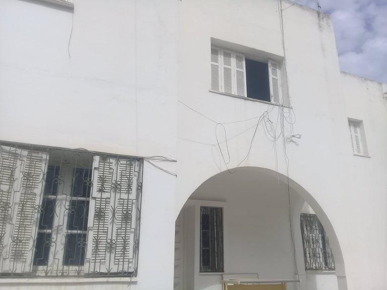 A vendre une villa de 942m² à rénover à Mutuelleville ( usage de bureaux ou d'habitation )