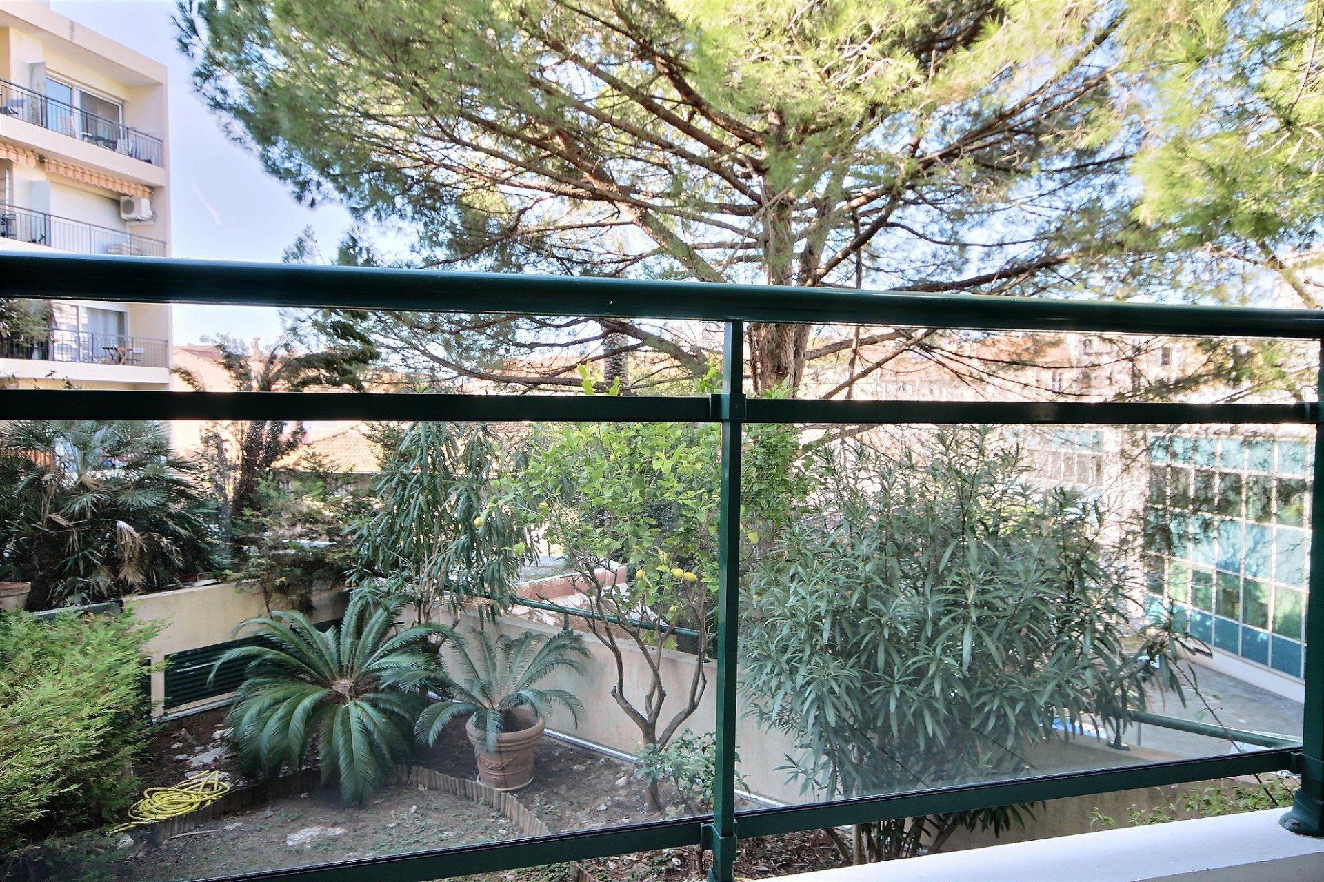 Cannes Proche Rue d'Antibes et Croisette 2 pièces à vendre