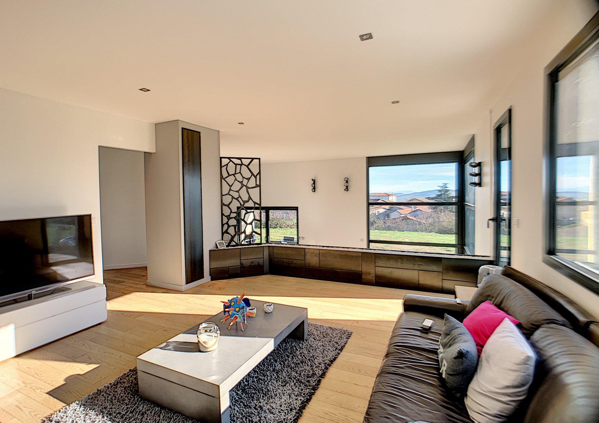 Villa neuve Cellieu 230 m², vue panoramique !