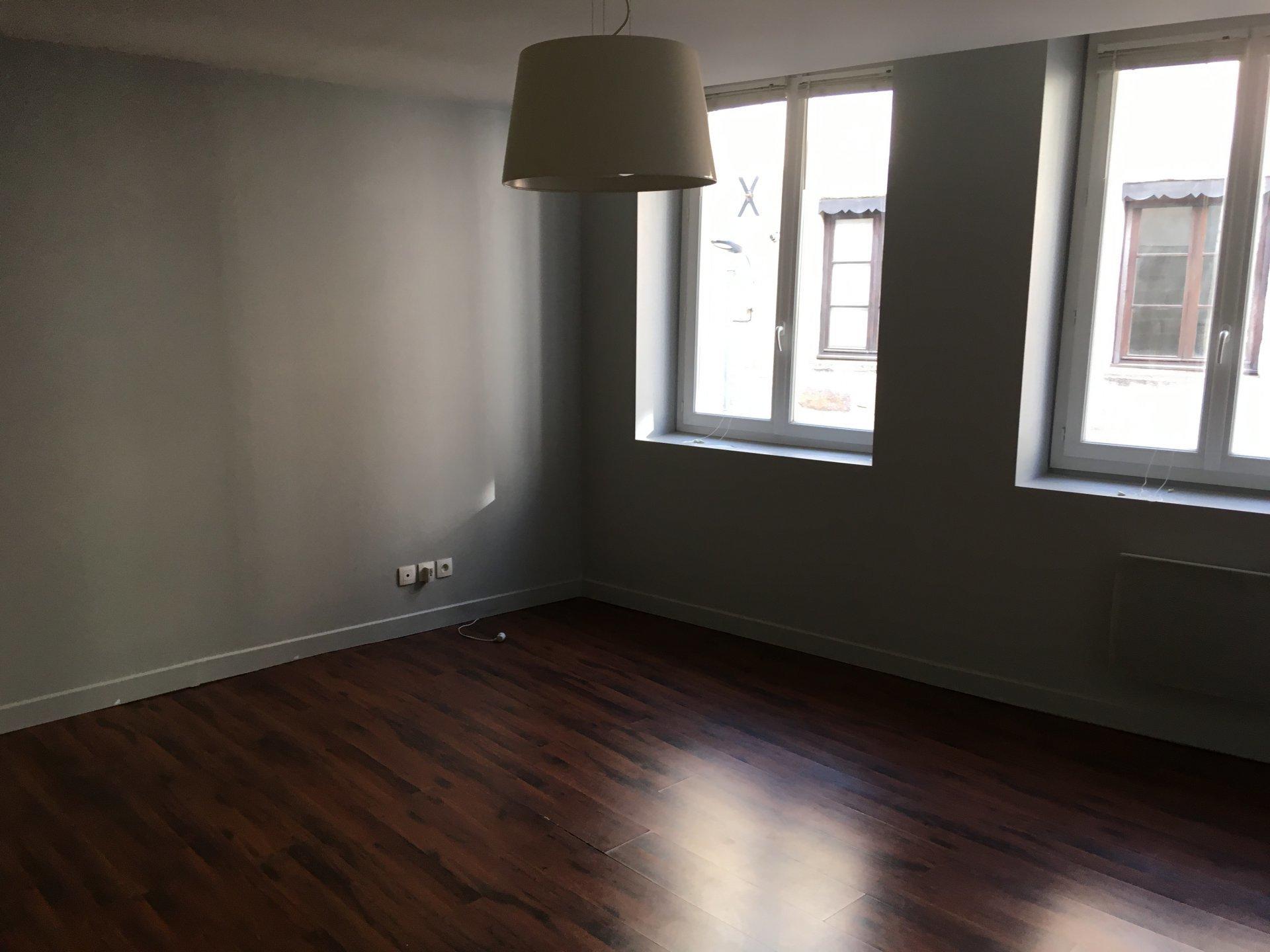 SAINT-ETIENNE- Appartement T2 42 m² -  5 minutes de la Place  CHAVANELLE