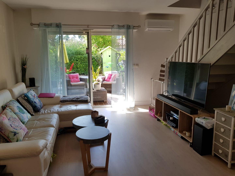 Peymeinade,  Villa d' angle, 3 Pièces, terrasse,  parking