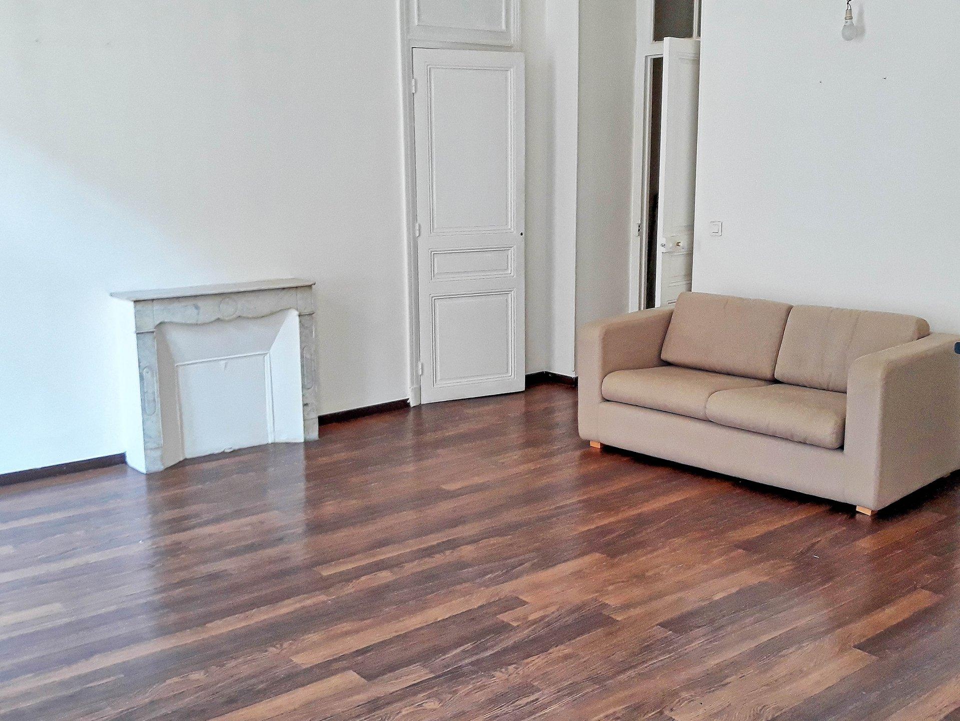 Appartement, 3 pièces, spacieux, Musiciens, immeuble ancien, balcon