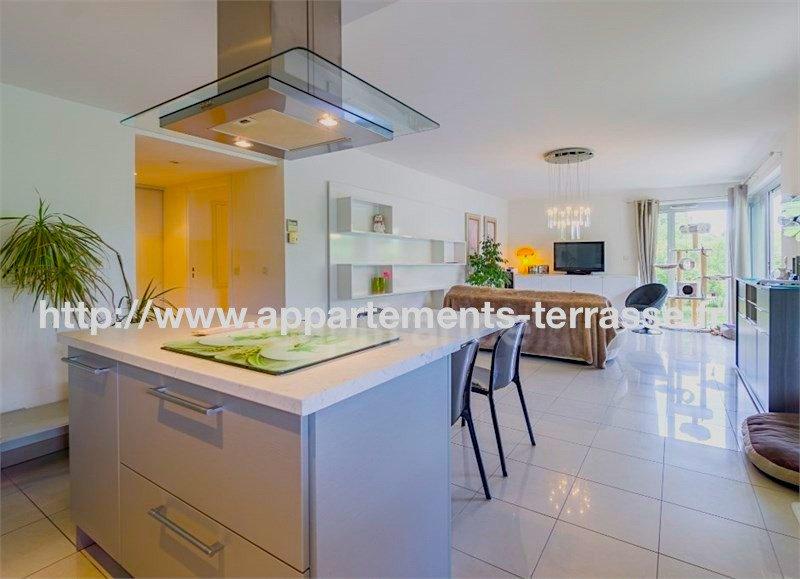 Kitchen bar, kitchen island, chandelier