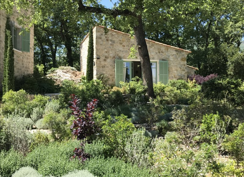 PRIVATE HILLTOP BASTIDE WITH SEA VIEW FOR SALE NEAR CHATEAUNEUF DE GRASSE