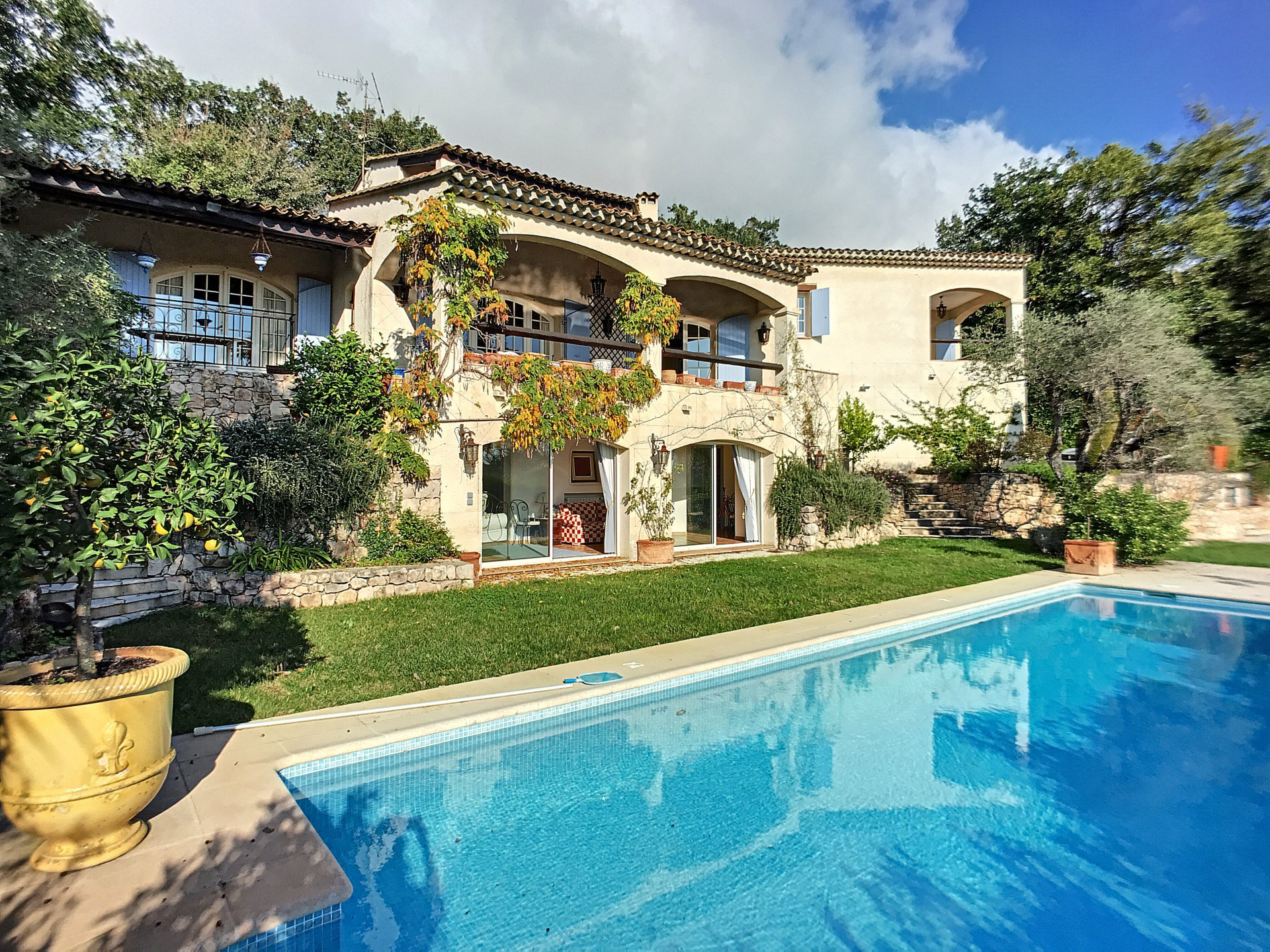 Provencal and traditional villa in Tourrettes Sur Loup