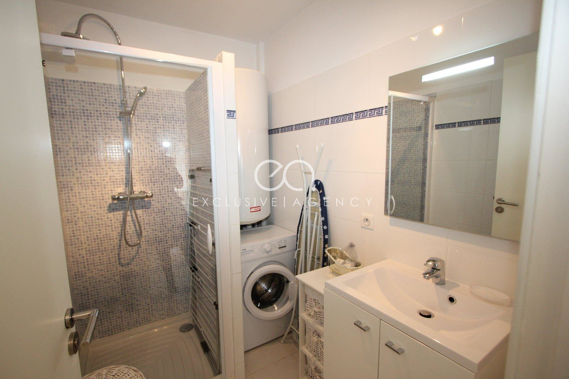 Cannes rental 1 bedroom furnished apartment Palm Beach