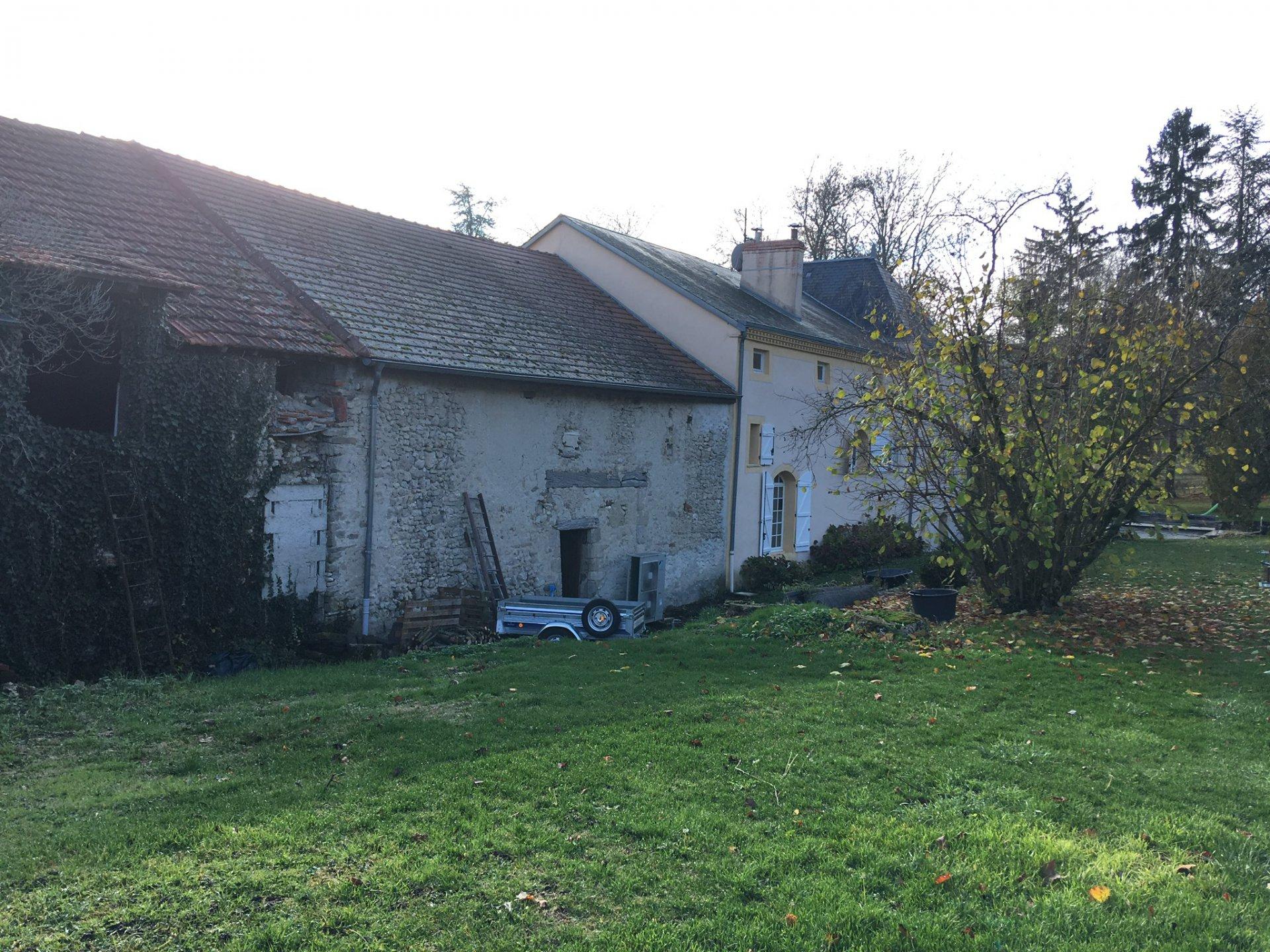 Sale Farmhouse - Creuzier-le-Vieux