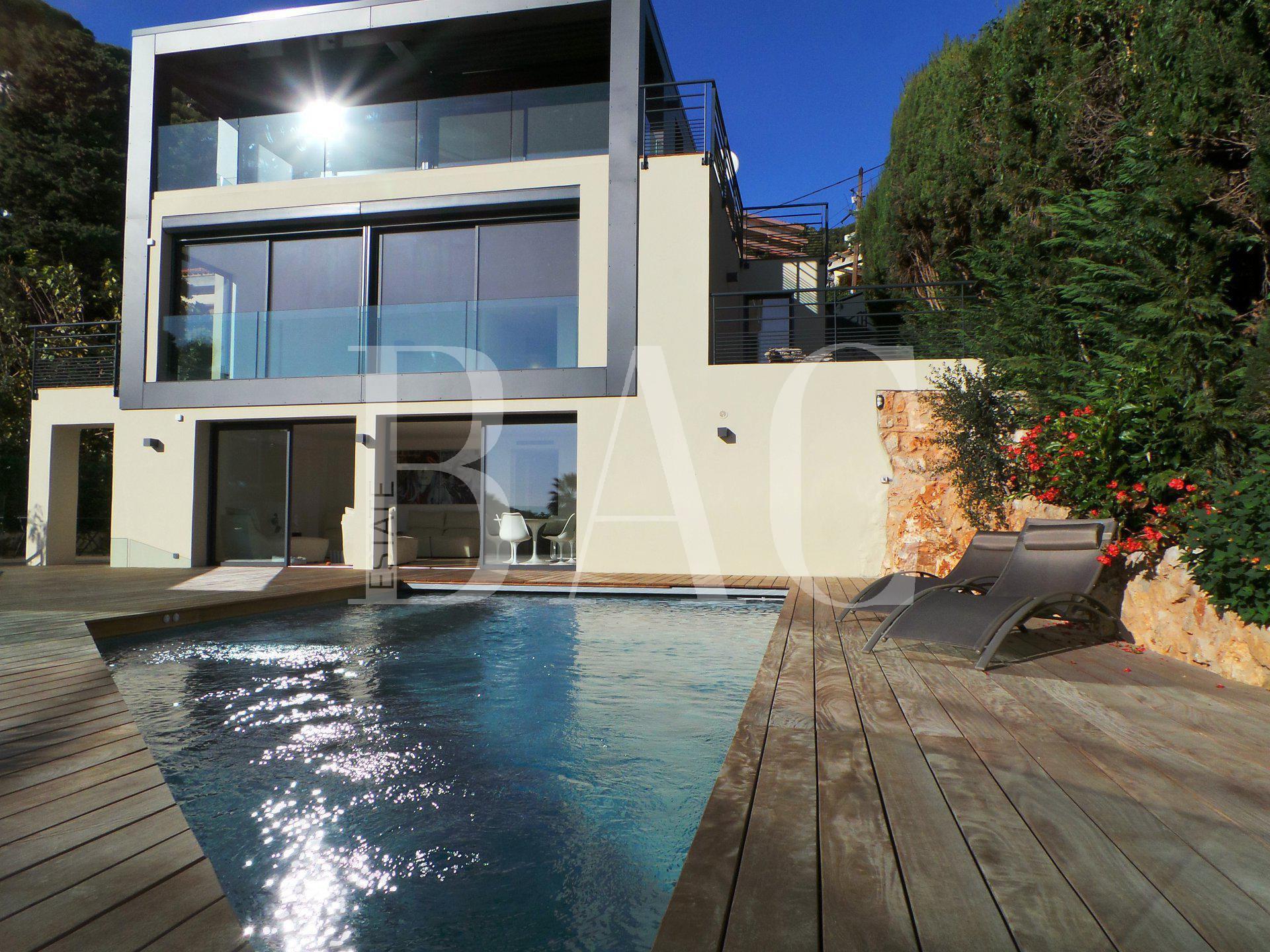 Contemporary villa-Villefranche Sur Mer