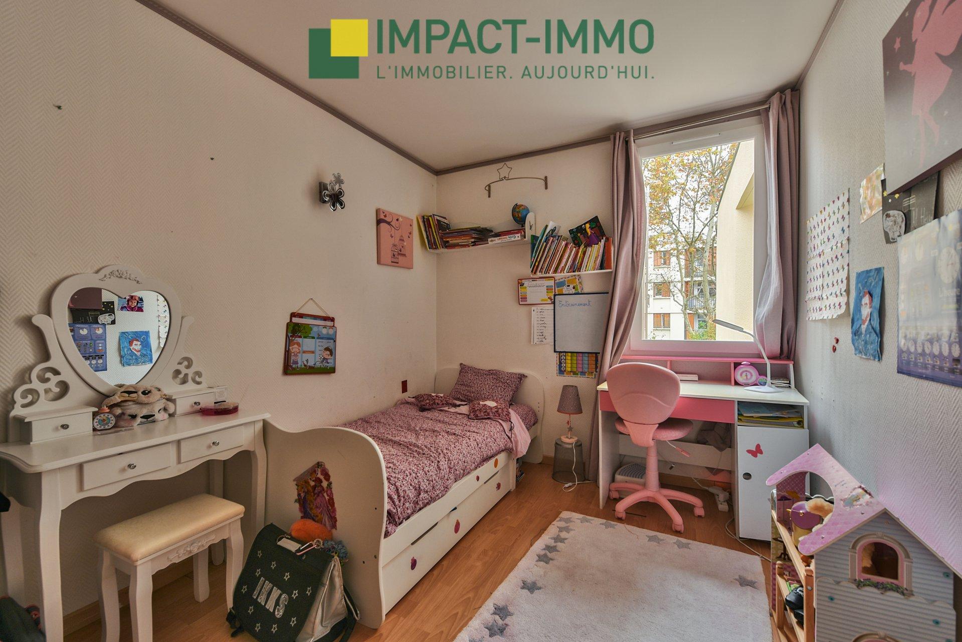 Maison en parfait état - Limitrophe Bois Colombes