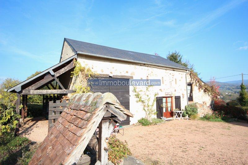 Natuurstenen woonhuis met gîte te koop in Onlay in de Morvan