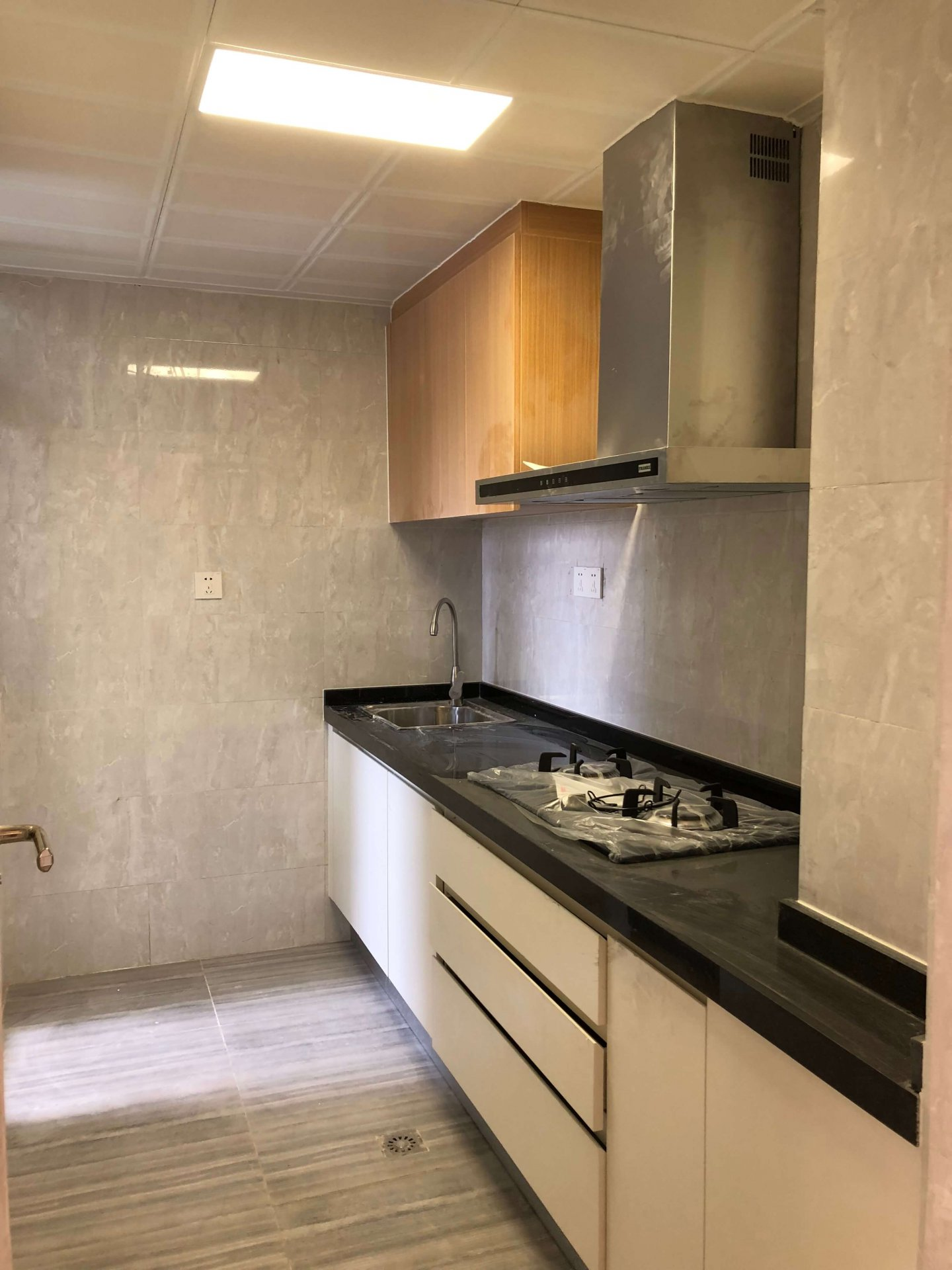 2bedrooms condo for sale in Toul Kork Area