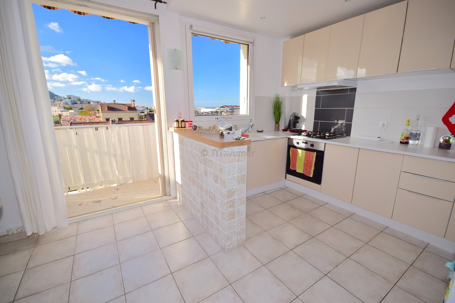 APPARTEMENT T3 DENIER ETAGE VUE MER BORELY13008 MARSEILLE
