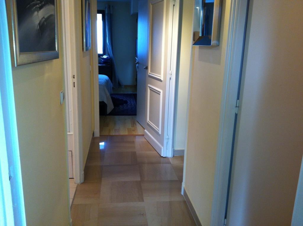 EXCLUSIVITE ! Vue panoramique au calme pour ce 3 pièces de 80 m2 dominant le domaine des Hauts de Vaugrenier , 2 chambres ..