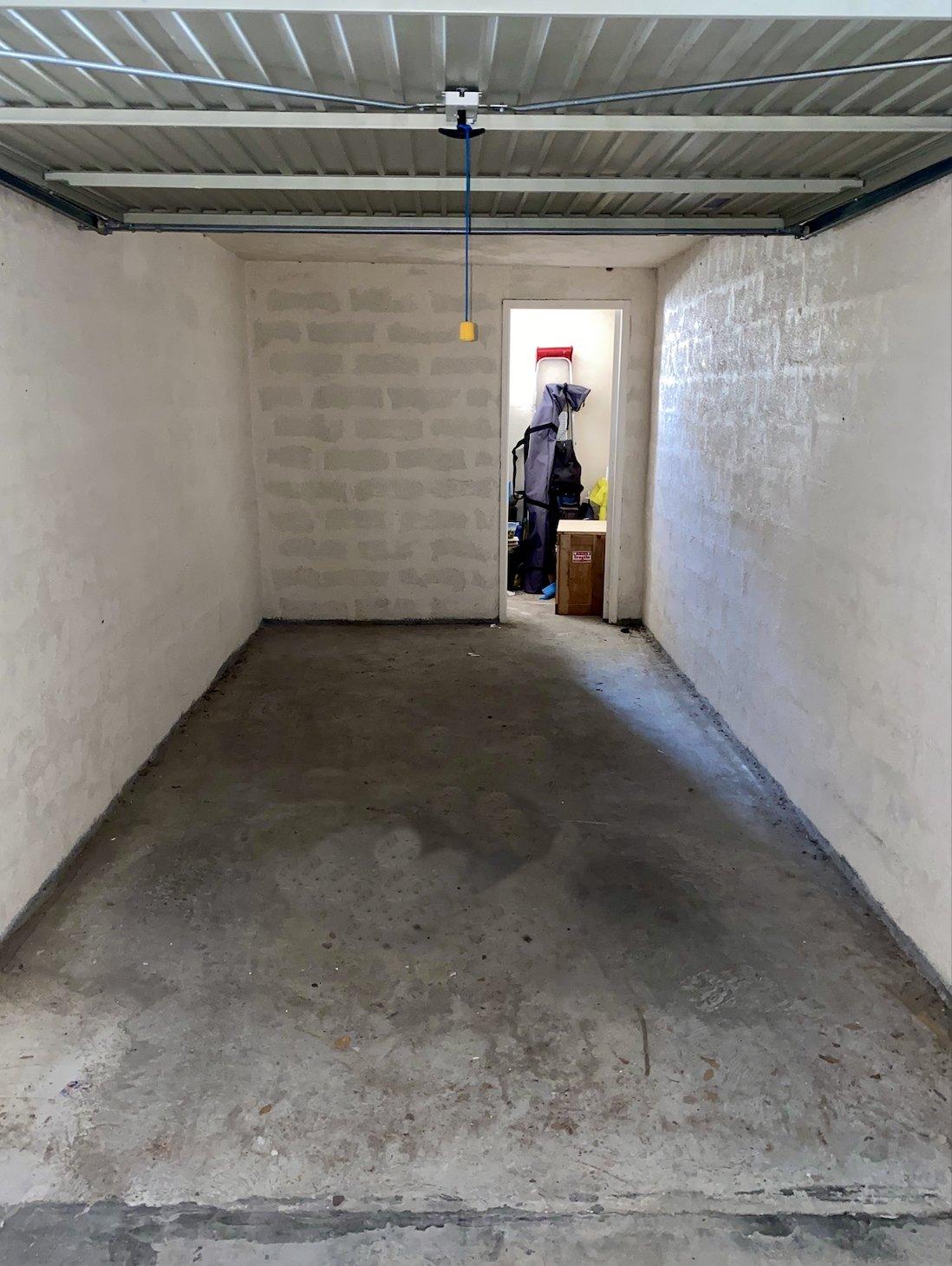 Garage fermé à louer à l'année. Facile d'accés.
