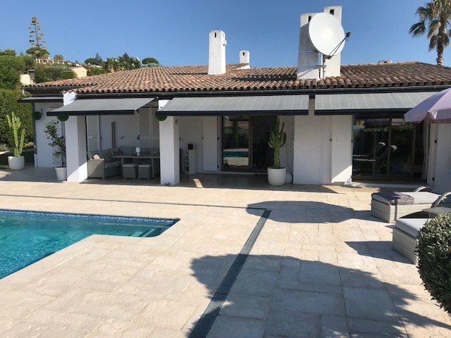 EXCLUSIVITE ! Trés belle villa rénovée vue Cap D'antibes