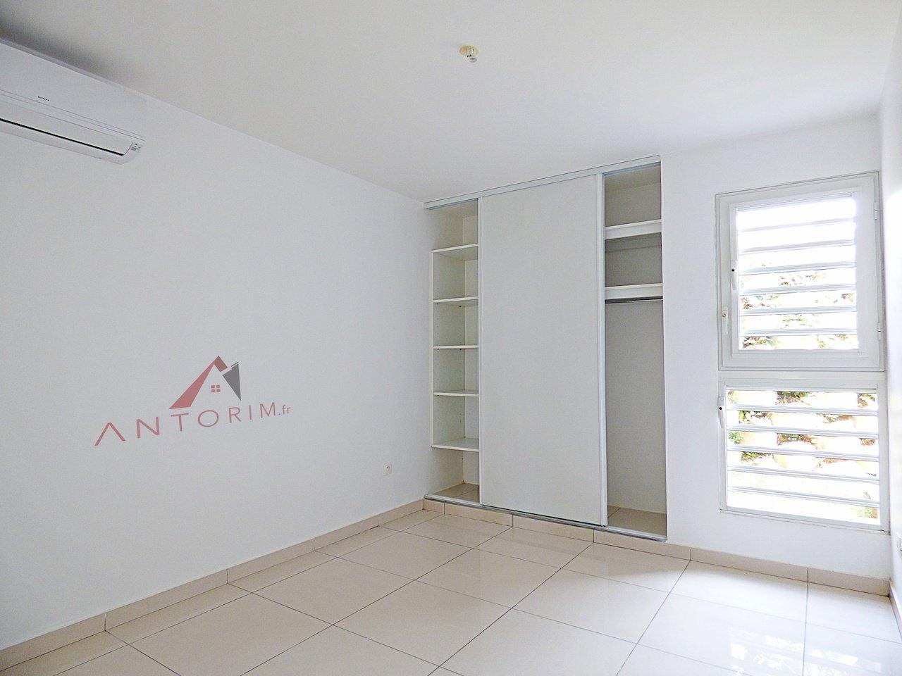 RAVINE VILAINE - Grand T3 NEUF - Chambres Climatisées - Terrasse
