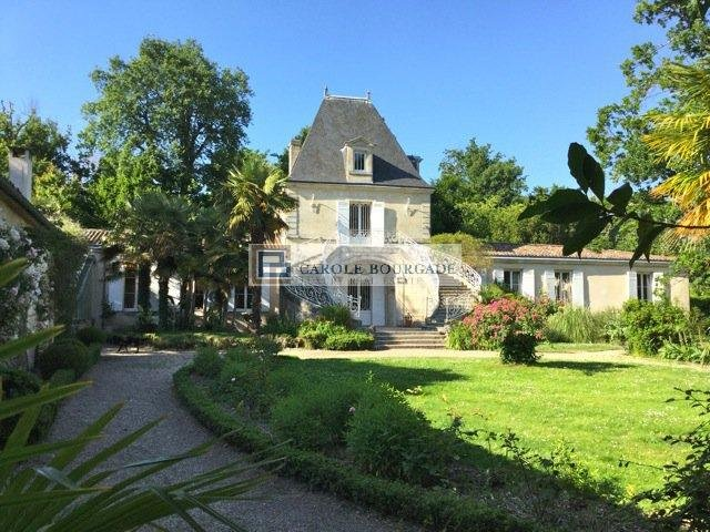 BBORDEAUX EXCEPTIONAL CASTLE WITH LANDSCAPED PARK