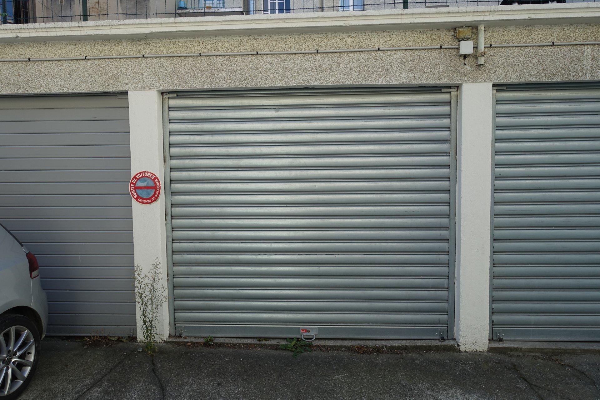 Rental Carpark - Grenoble