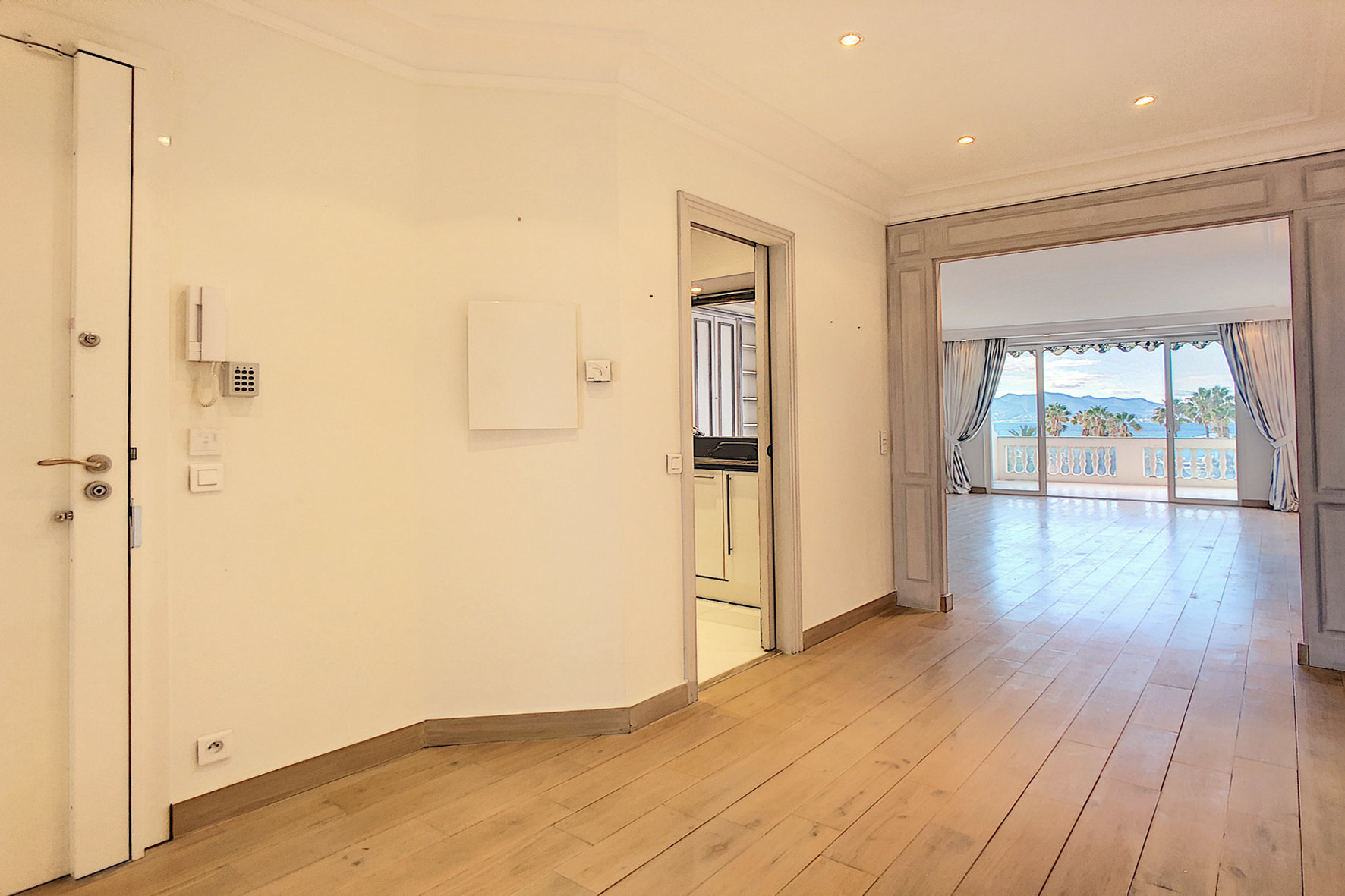 Sale Apartment - Cannes Port Canto