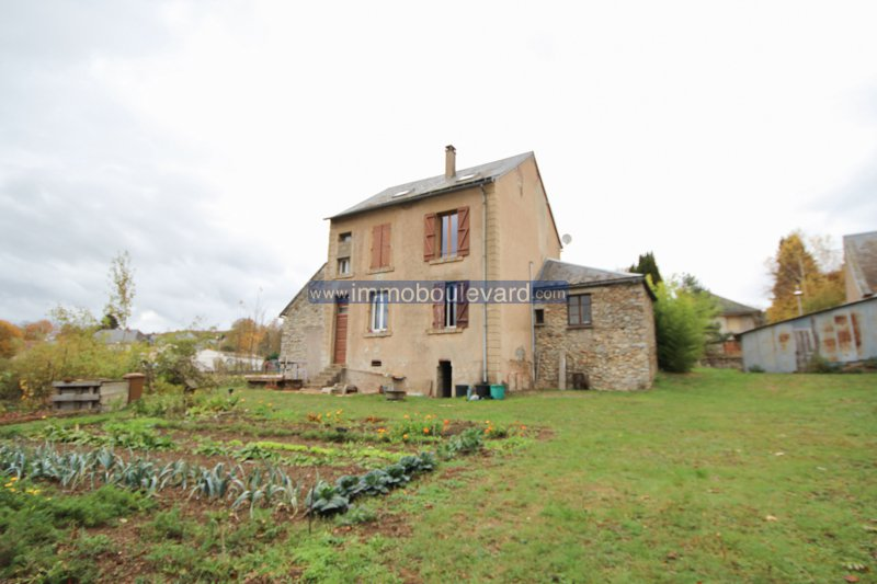 House with studio for sale near Lac des Settons in Burgundy