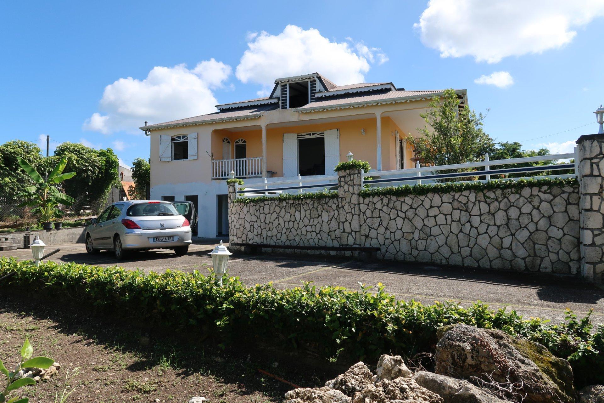 Villa T5 + T2 saisonnier ou activité libérale