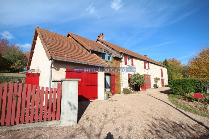 Beautiful house for sale with Bed and breakfast in Burgundy, Morvan
