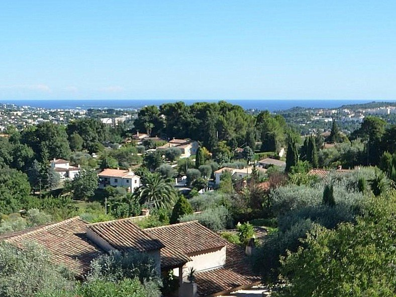 Grande villa avec vue mer à vendre à Mougins