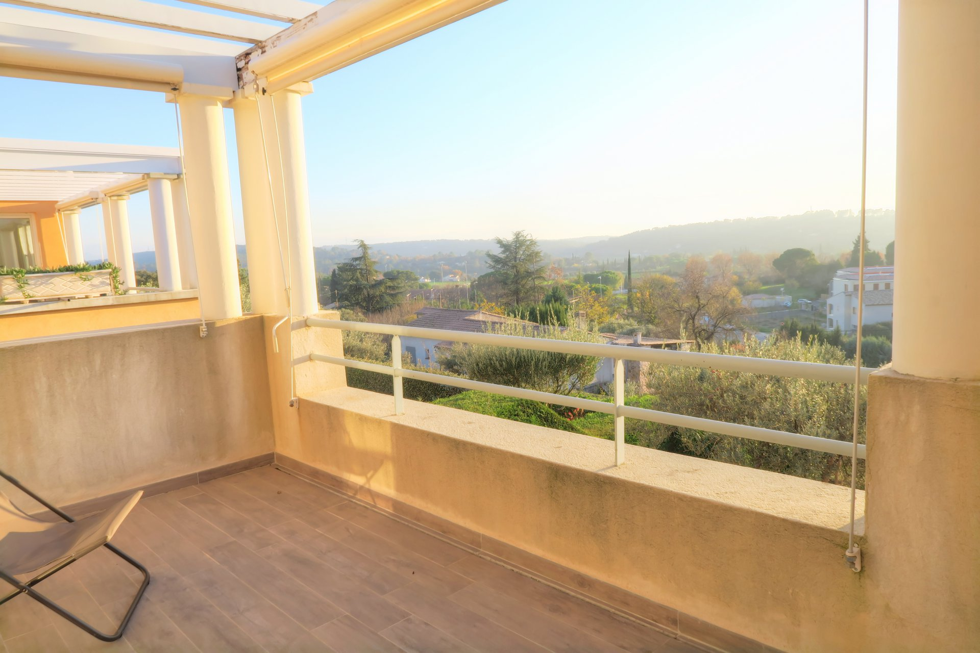 SOLE AGENT   Nice apartment in secured high end residence with pool walking distance from the center