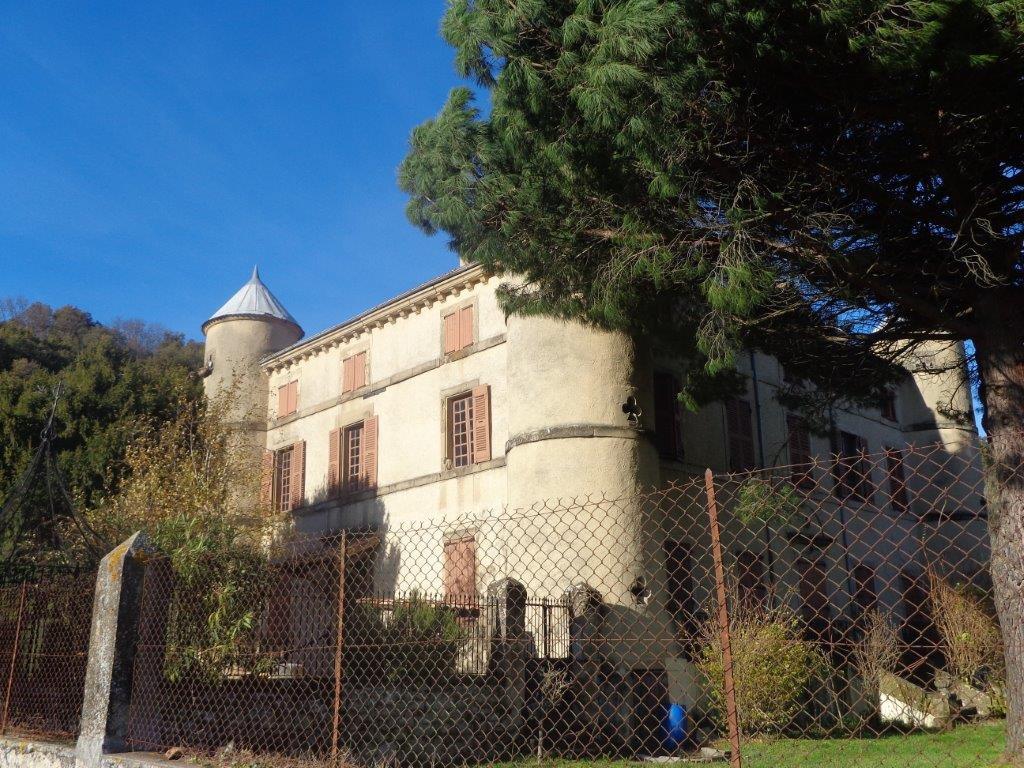 DROME Romans château XIXè à restaurer