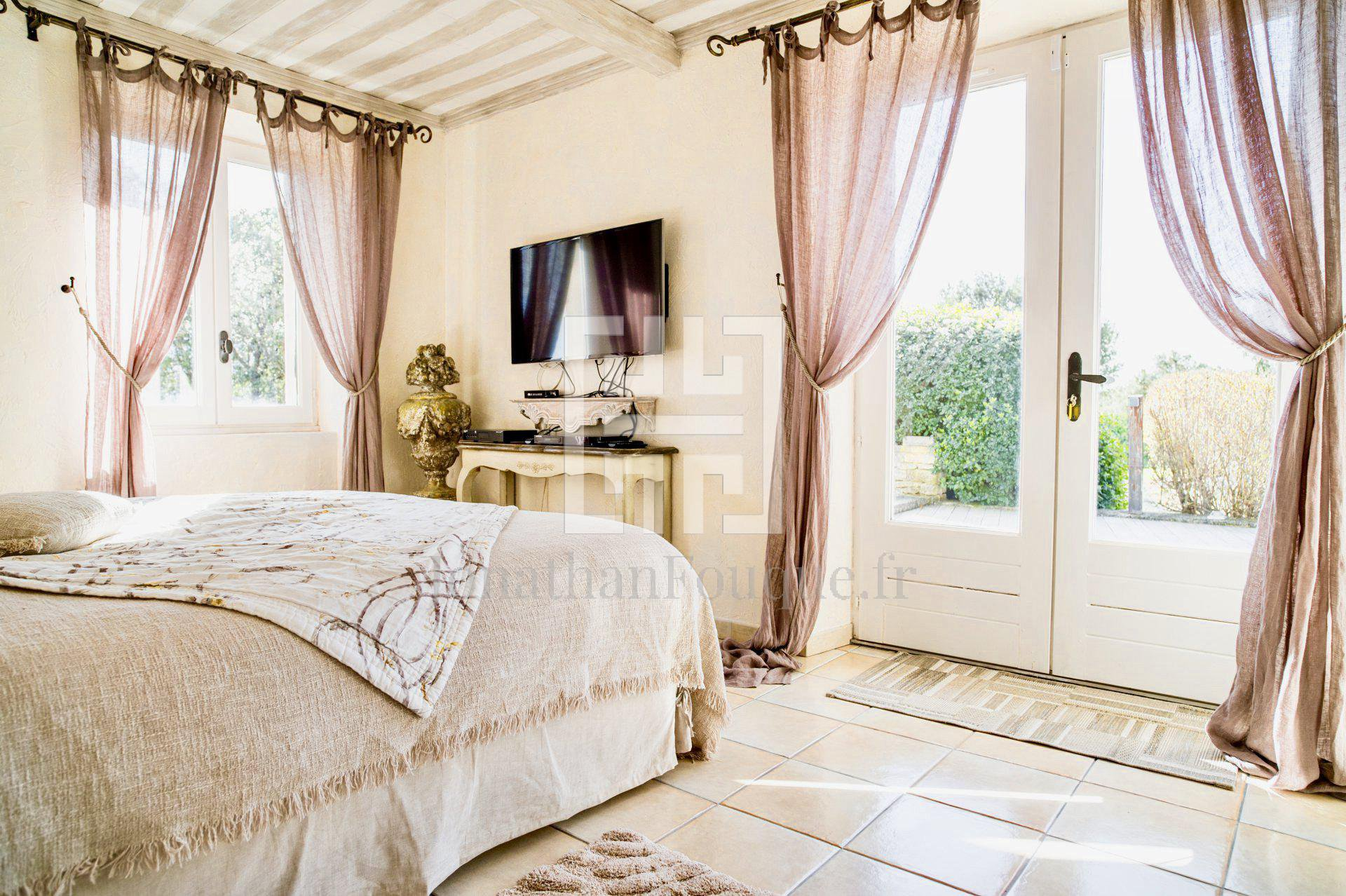 Villa **** 5 bedrooms in Luberon