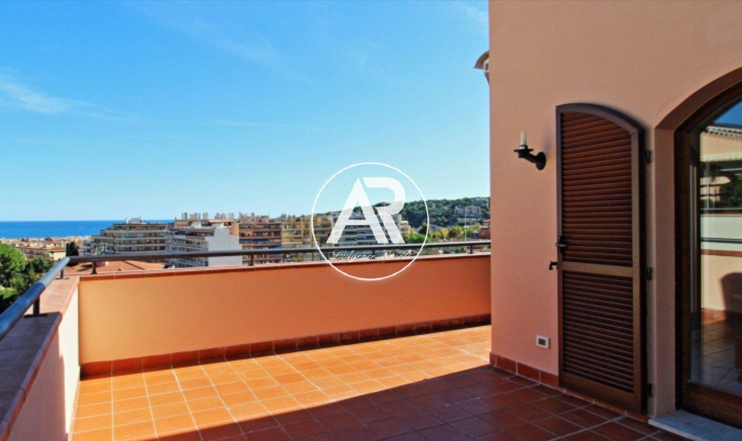 Roquebrune-Cap-Martin lovely two bedrooms apartment with terrace