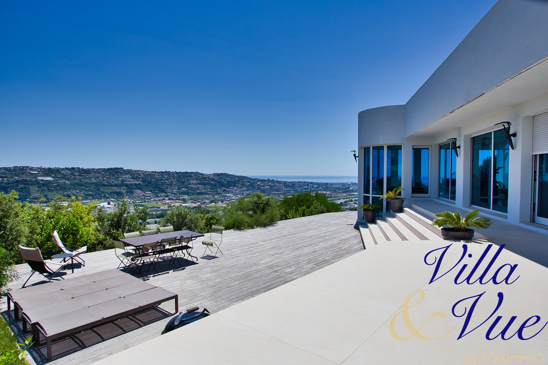 Saint Laurent du Var -  Villa Contemporaine d'Exception 300 m2