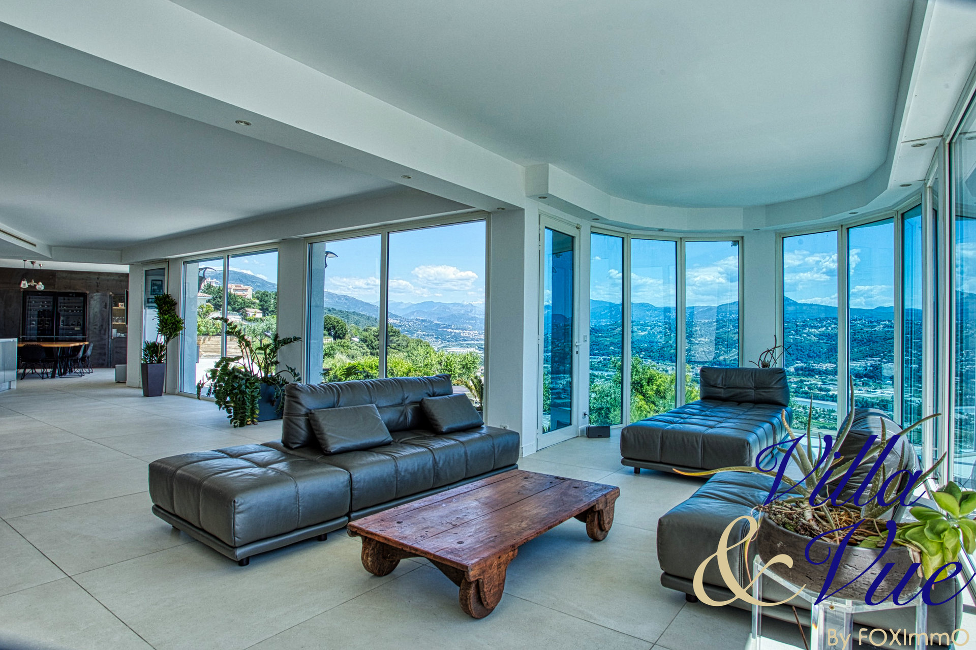 Saint Laurent du Var - Contemporary Villa Exception 300 m2