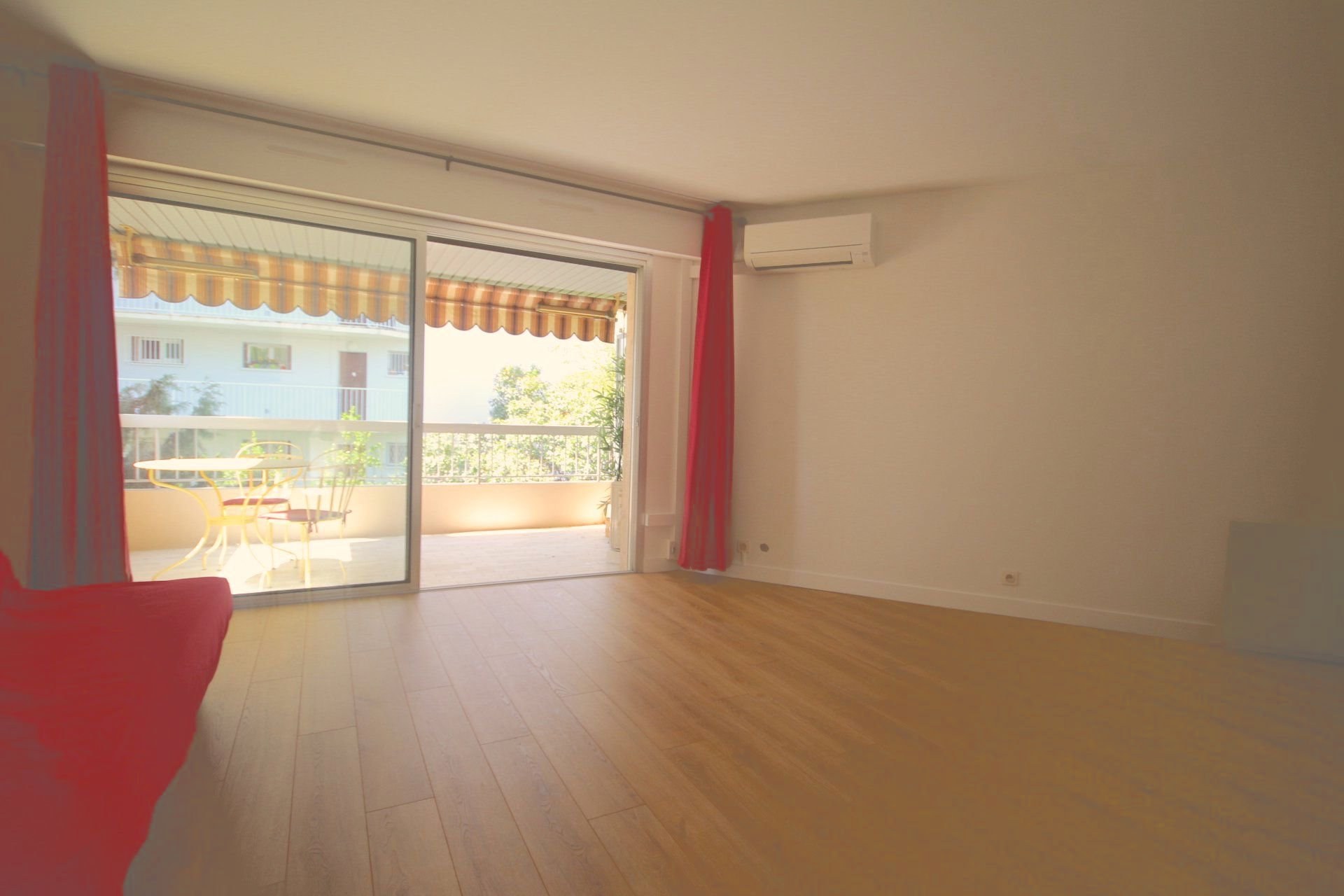 cannes-studio/F1,dernier étage.