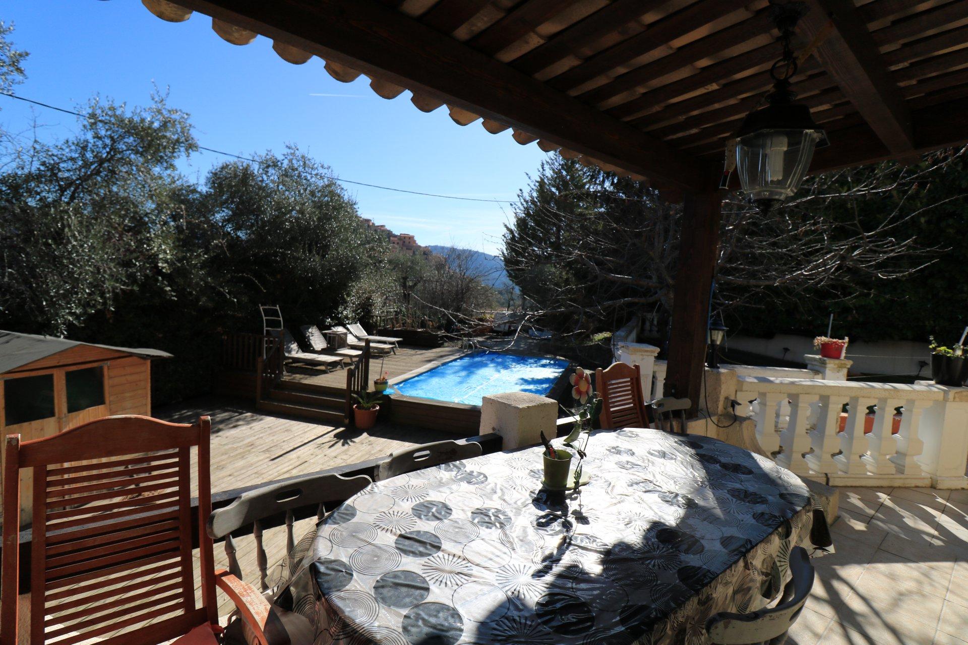 COARAZE - CENTRE : Impeccable villa mitoyenne de cinq ...