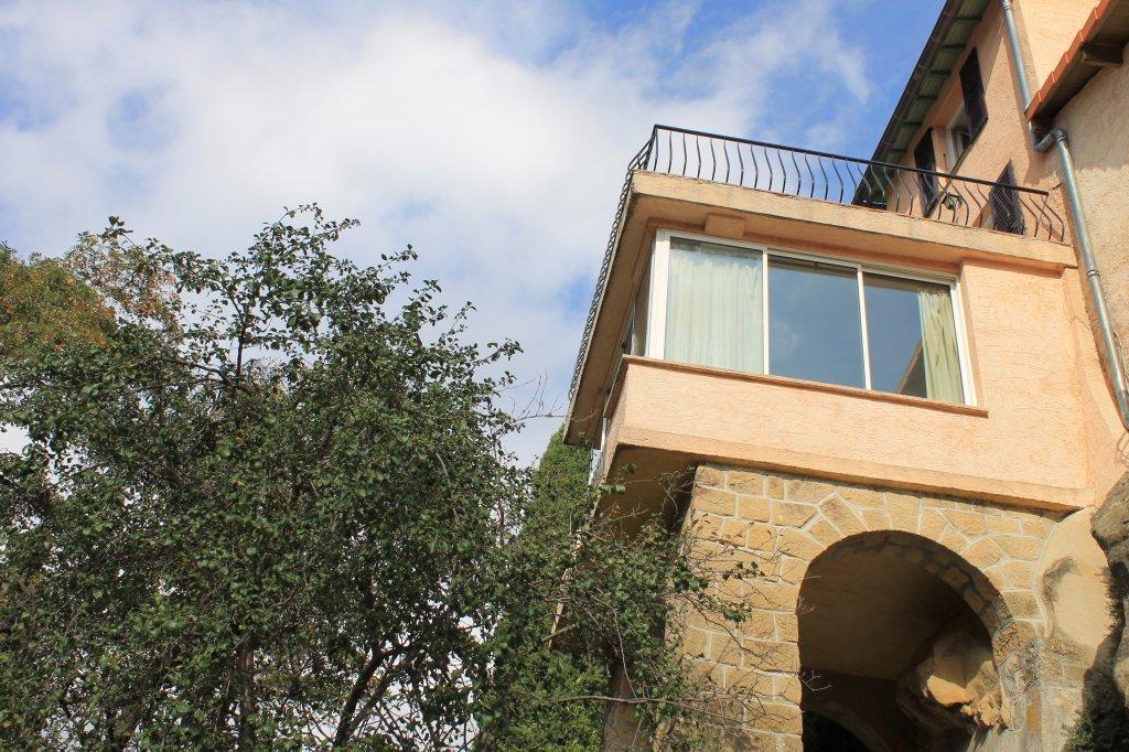 COARAZE - Maison de village trois pièces ...