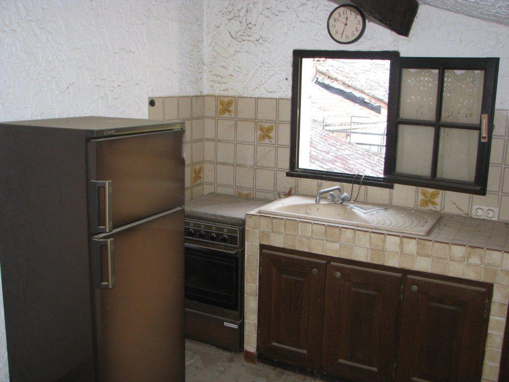MALAUSSENE : Maison de village de 117 m² habitables, ...