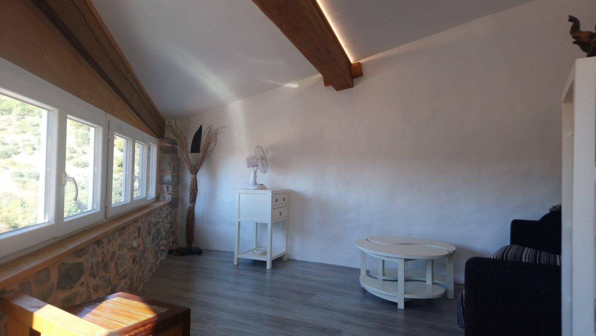 Maison de village d'environ 44 m² sur 3 niveaux