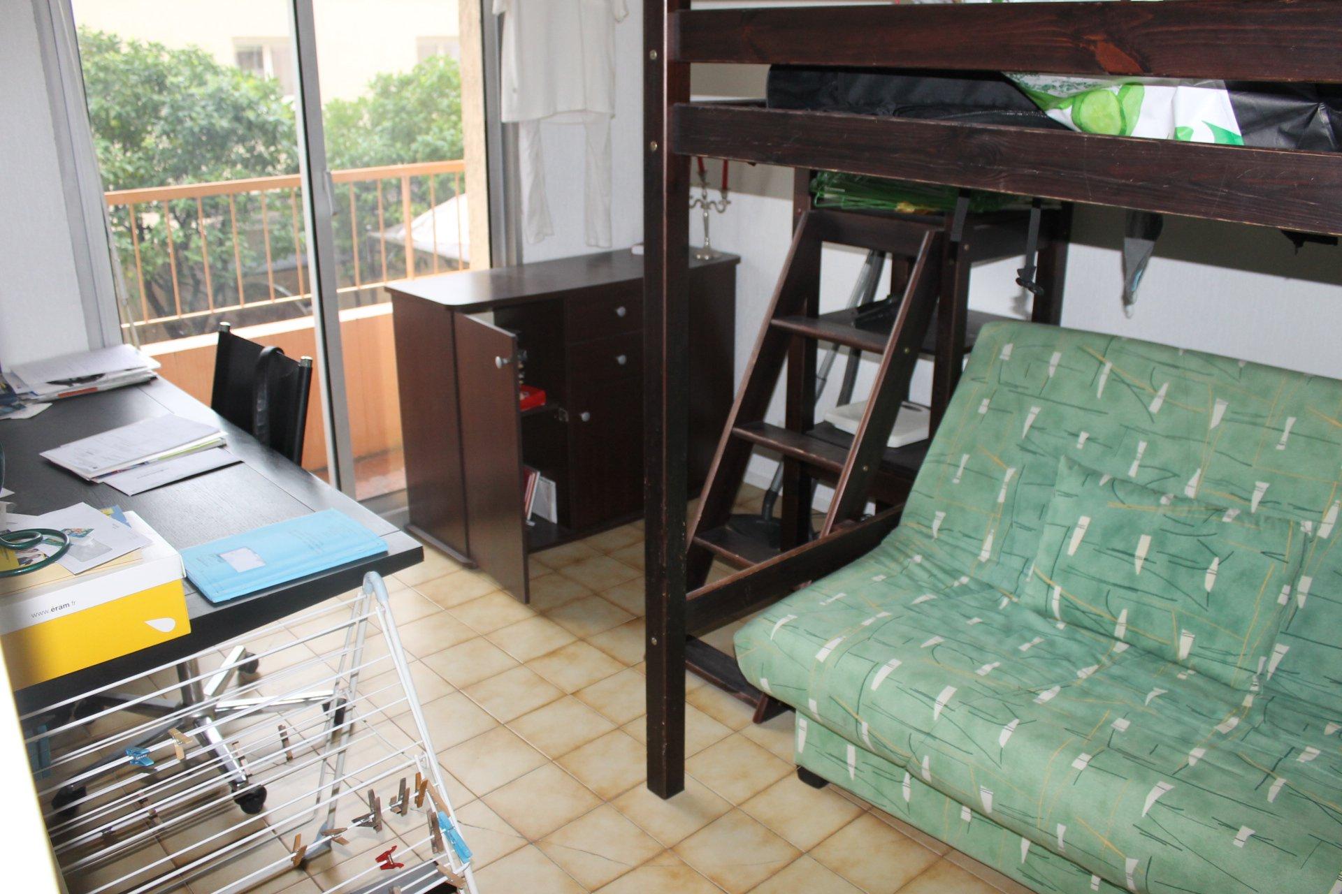 LA TRINITE : EXCLUSIVITE : Appartement 3 Pièces avec dépendances
