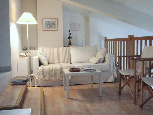 PLACE MASSENA: beautiful duplex 1 or 2 bedroom