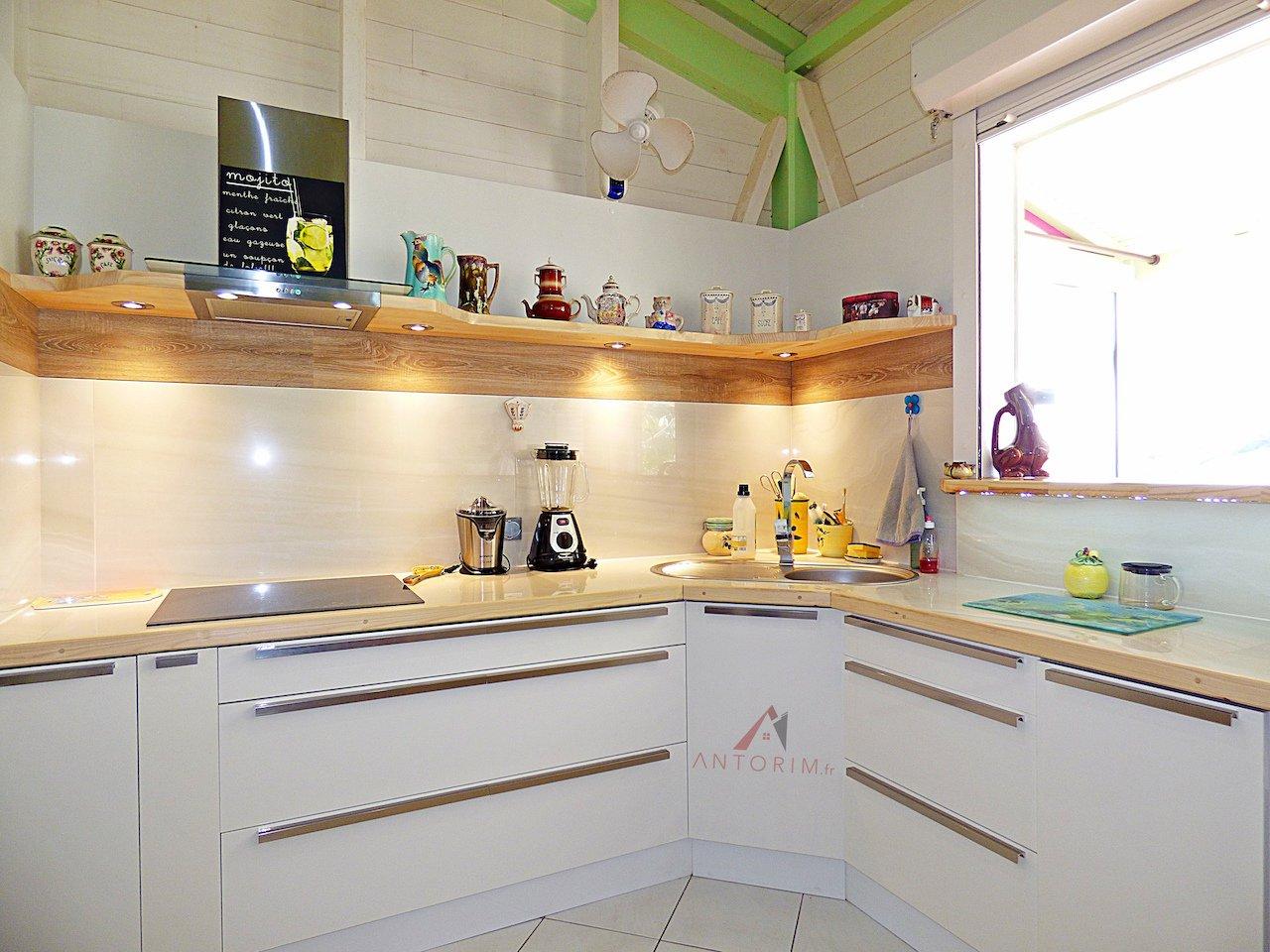 LES TROIS-ILETS : Maison  T3 + T2 - Terrasses - Piscine - Vue Mer - Garage