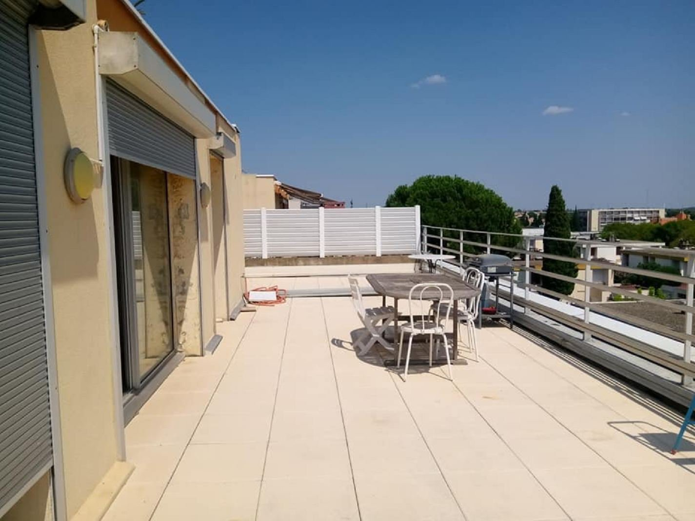 Appartment with terrace in a very nice neigbourhood