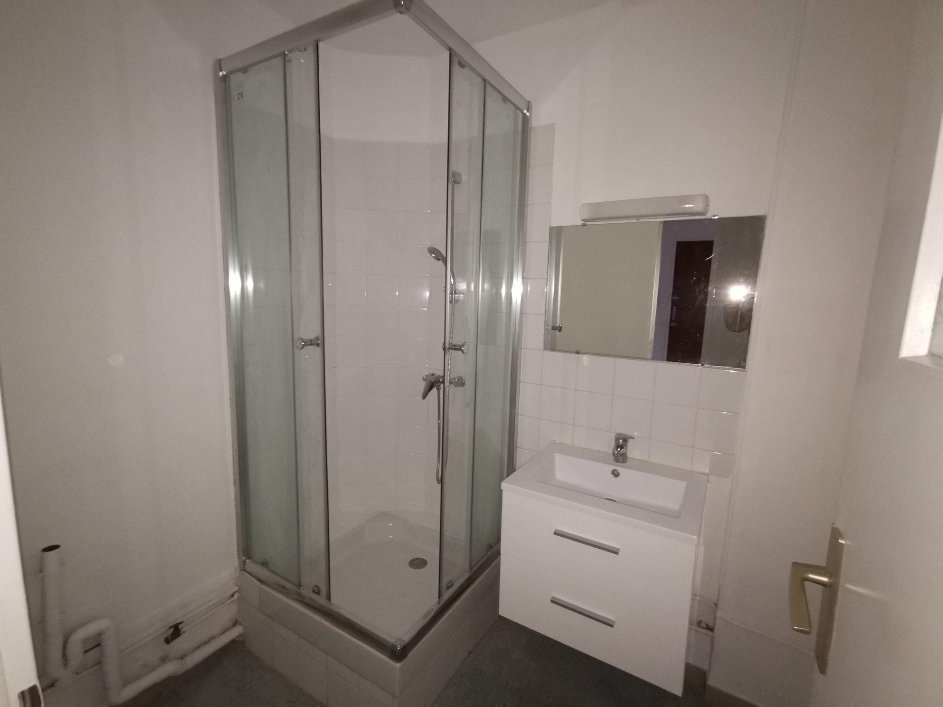 Appartement T3 balcon, box et cave privatifs