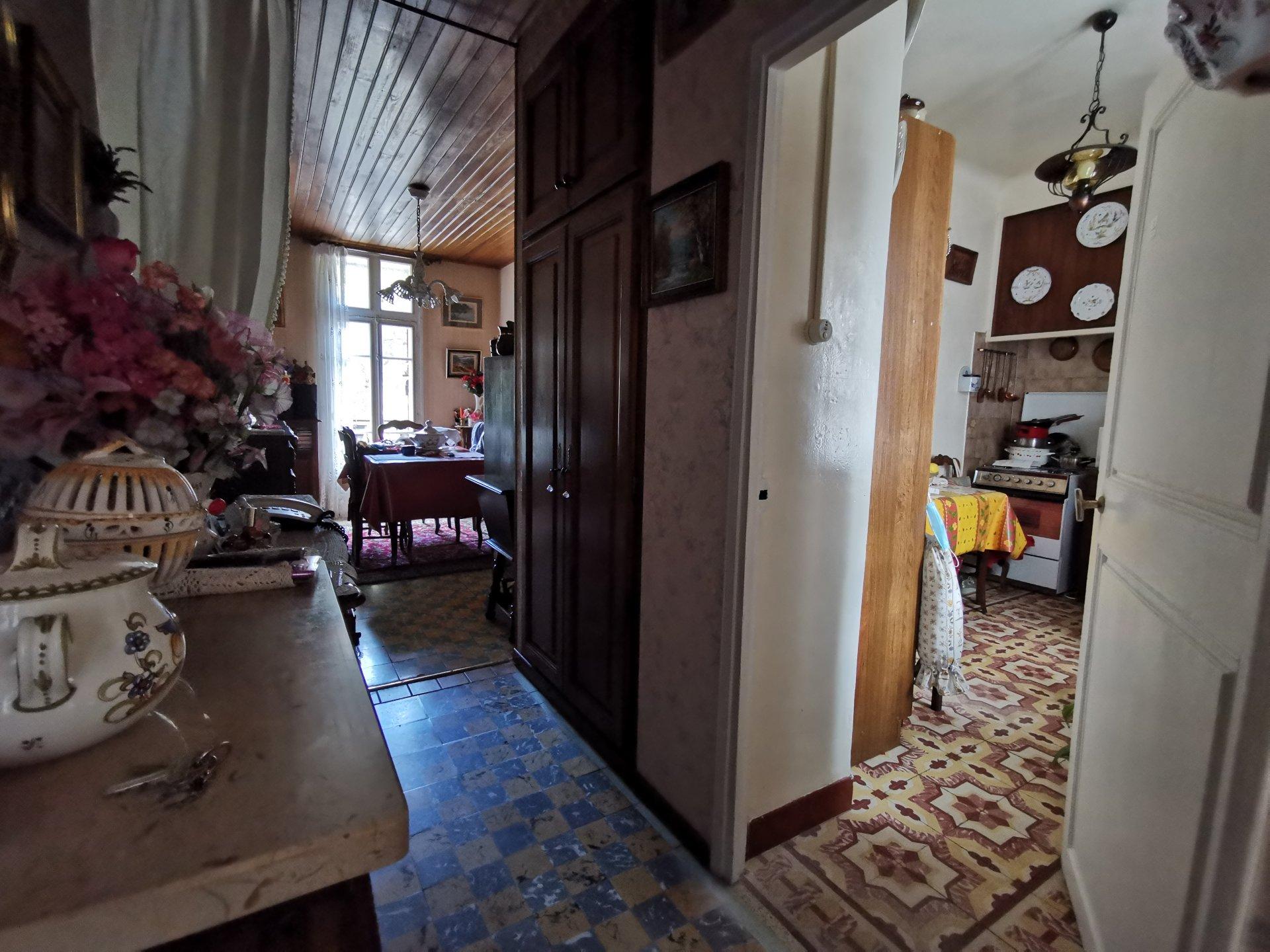 Maison de ville T2 + balcon et petit garage