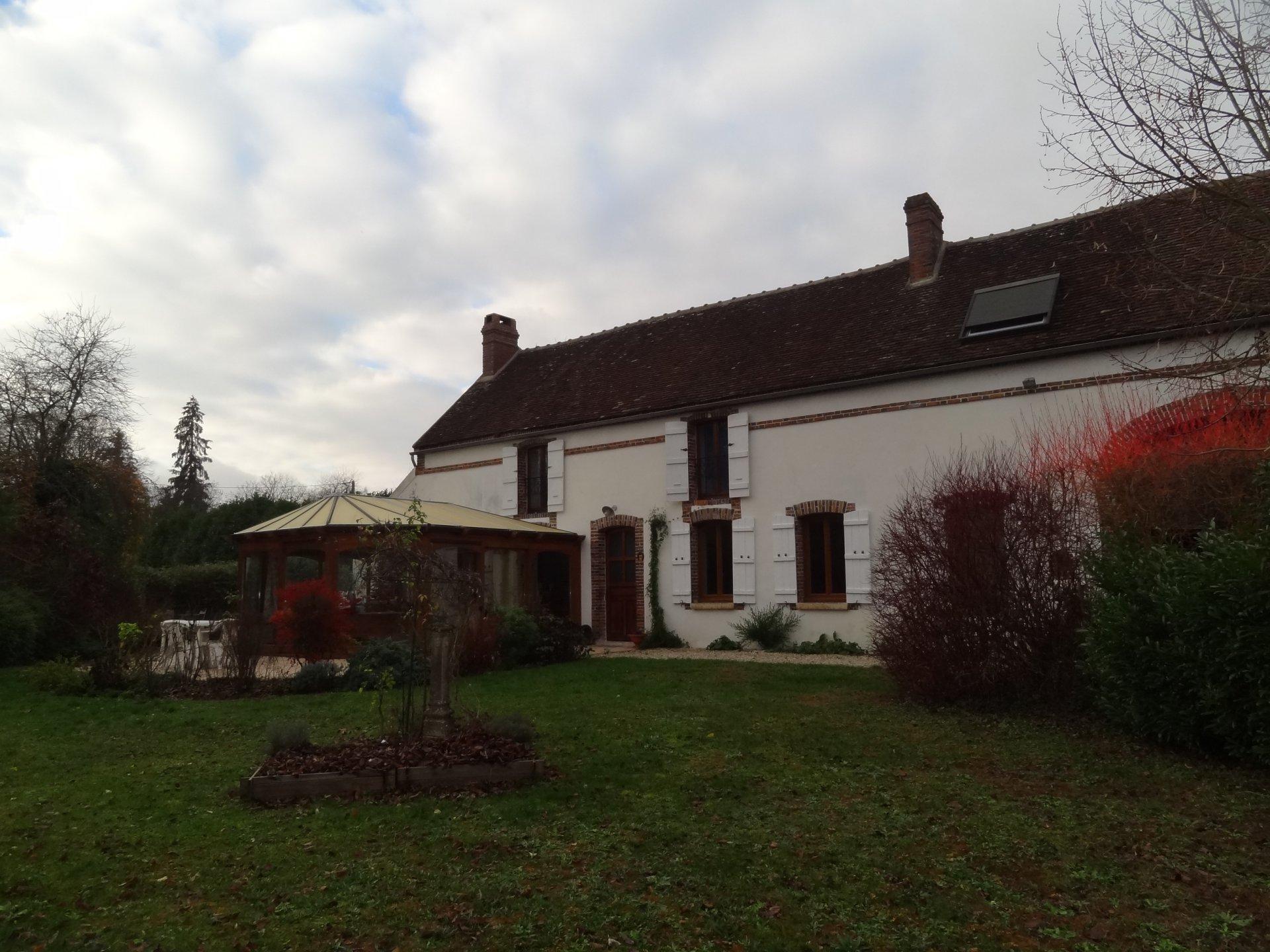 Sale Farmhouse - La Celle-Saint-Cyr