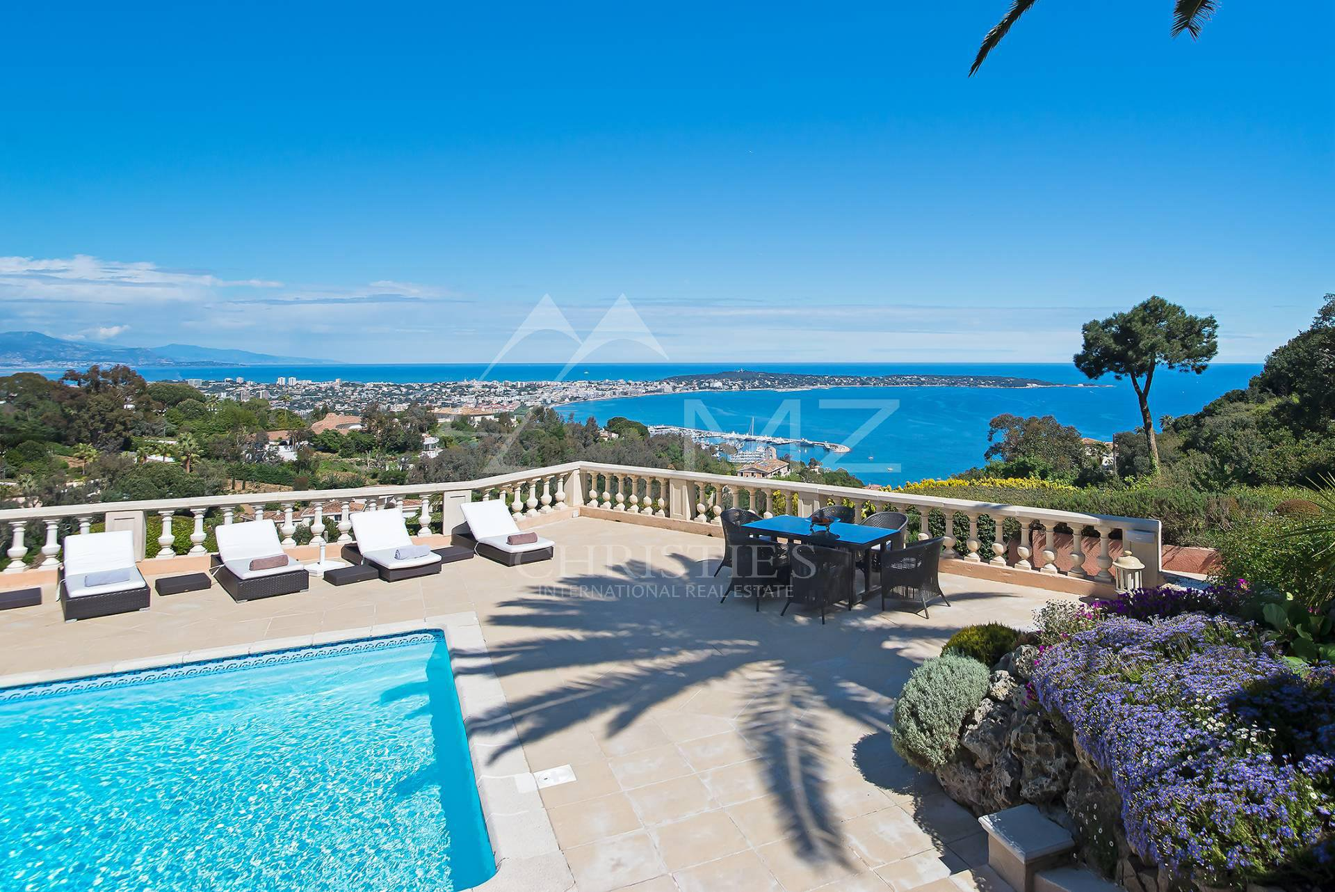 Villa/Townhouse for Rent at Super Cannes - Astonishing sea view Vallauris, Alpes-Maritimes,06220 France