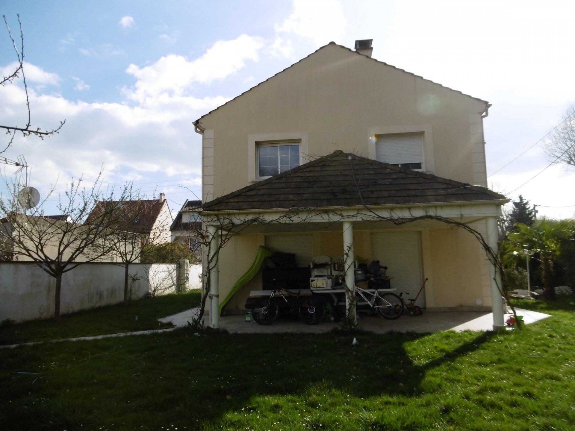 Vente Maison - Le Mesnil-Saint-Denis