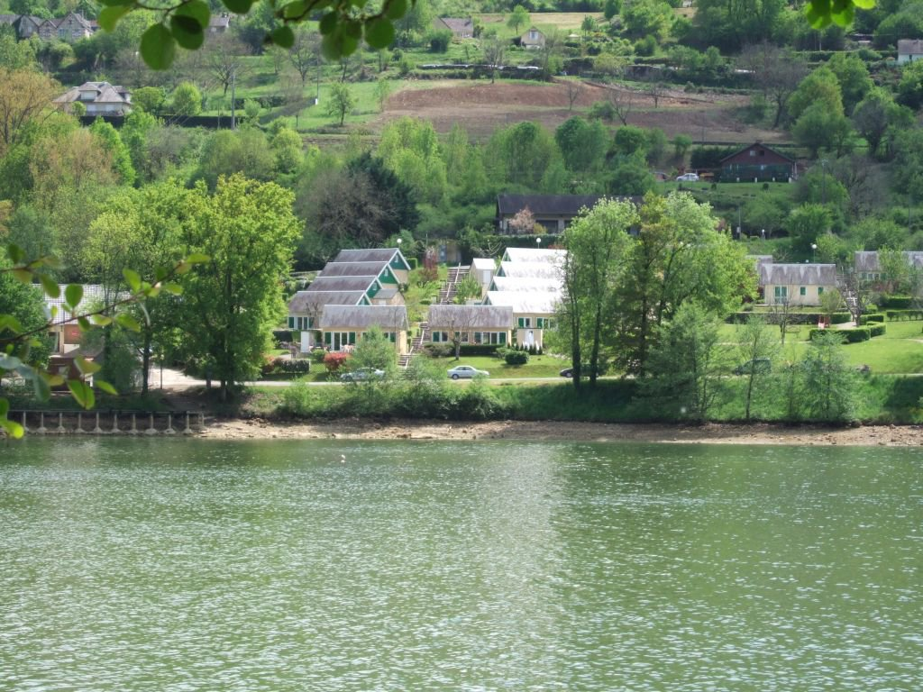 Border lac du Causse, nice chalet on 255 m2